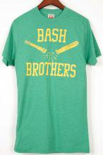 <img class='new_mark_img1' src='https://img.shop-pro.jp/img/new/icons29.gif' style='border:none;display:inline;margin:0px;padding:0px;width:auto;' />【HOMAGE】オマージュ バッシュブラザース Tシャツ グリーン BASH BROTHERS Tshirt Green