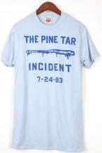<img class='new_mark_img1' src='https://img.shop-pro.jp/img/new/icons29.gif' style='border:none;display:inline;margin:0px;padding:0px;width:auto;' />【HOMAGE】オマージュ パインタール Tシャツ ブルー PINE TAR Tshirt Blue