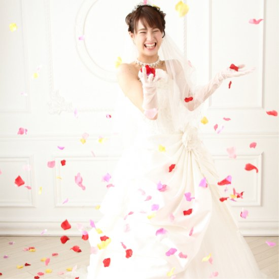 <img class='new_mark_img1' src='https://img.shop-pro.jp/img/new/icons35.gif' style='border:none;display:inline;margin:0px;padding:0px;width:auto;' />結婚式の演出に フラワーシャワー