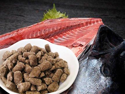 犬猫のカルシウム補給におすすめの魚「まぐろパラパラミンチ」