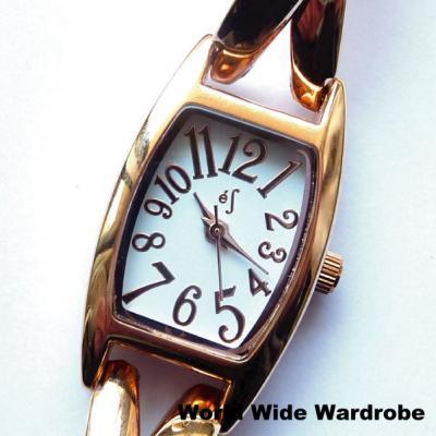 ★数字がおしゃれなバングルブレスレット風腕時計(ピンクゴールド)