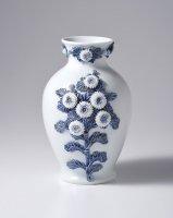 平戸菊花飾染付花瓶