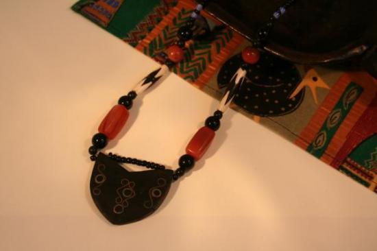 【西アフリカ】トゥアレグ黒檀&ラクダの歯ネックレス(ブルキナファソ)