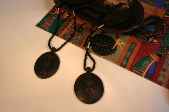【西アフリカ】トゥアレグの黒檀ネックレス(ブルキナファソ)