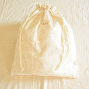 防水きんちゃくポーチ(大)マリーとメグのお花畑 防水布 収納袋 旅行用
