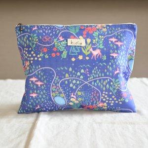 防水フラットポーチ Berry's flower 防水布 収納袋 旅行用