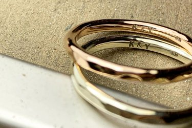 指輪の内側の刻印(5文字毎に+1000円)