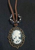 【modifica】モディーフィカ  カメオ王冠Necklace