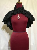 【MARBLE】マーブル ◆受注商品◆ゴシック調モチーフ付き立ち襟ケープ:黒×赤十字架