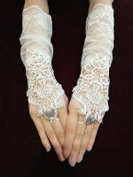 【MRcorset】エムアールコルセット PEARL & BUTTERFLY FINGERLESS LONG GLOVES (WHITE)