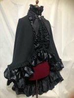 【MARBLE】マーブル ヴァンパイアタイ付き立ち襟フリルマント:黒×黒レース