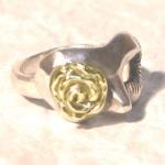 【modifica】薔薇リング 真鍮ゴールド/Rose ring Brass gold