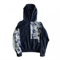 <img class='new_mark_img1' src='https://img.shop-pro.jp/img/new/icons50.gif' style='border:none;display:inline;margin:0px;padding:0px;width:auto;' />ILL IT - TIE-DYE SWITCHED HOODIE