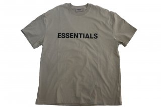 <img class='new_mark_img1' src='https://img.shop-pro.jp/img/new/icons14.gif' style='border:none;display:inline;margin:0px;padding:0px;width:auto;' />FOG ESSENTIALS  FRONT LOGO TEE TAN