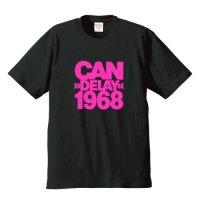 カン / ディレイ 1968 (6.2オンス プレミアム Tシャツ 4色)