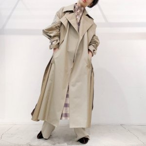 <img class='new_mark_img1' src='https://img.shop-pro.jp/img/new/icons47.gif' style='border:none;display:inline;margin:0px;padding:0px;width:auto;' />IROR Chambray Trench Coat