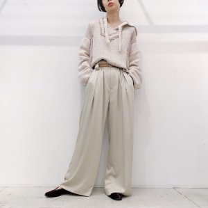 <img class='new_mark_img1' src='https://img.shop-pro.jp/img/new/icons16.gif' style='border:none;display:inline;margin:0px;padding:0px;width:auto;' />IROR Satin wide trousers