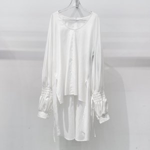 <img class='new_mark_img1' src='https://img.shop-pro.jp/img/new/icons47.gif' style='border:none;display:inline;margin:0px;padding:0px;width:auto;' />IROR Cotton linen coating blouse
