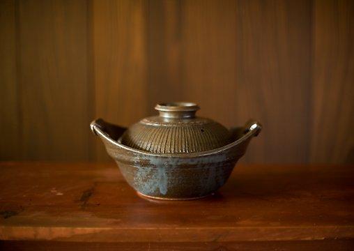 黒釉印花文土鍋 小