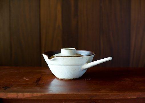 白釉片手ハンドル鍋