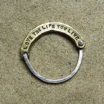 LOVE THE LIFE Ring