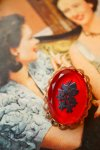 "USA VINTAGE""RED&BLACK BOUQUET""SMALL INTAGLIO BROOCH【送料80円】"