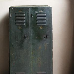 WW1 US ARMY STEEL LOCKER