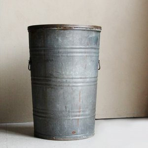 WW2 USN METAL LAUNDRY BUCKET