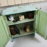 【SOLD】 antique paint shelf