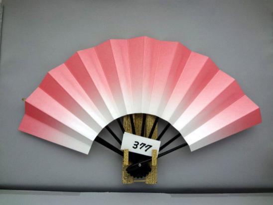 A377 舞扇子 ピンク天ぼかしシルバー引き