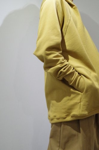 O project - WIDE FIT HOODED(MUSTARD)