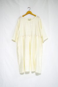 <img class='new_mark_img1' src='//img.shop-pro.jp/img/new/icons47.gif' style='border:none;display:inline;margin:0px;padding:0px;width:auto;' />bunai - Silk Dress (Natural)
