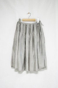 <img class='new_mark_img1' src='//img.shop-pro.jp/img/new/icons47.gif' style='border:none;display:inline;margin:0px;padding:0px;width:auto;' />bunai - Silk Skirt(Light grey)