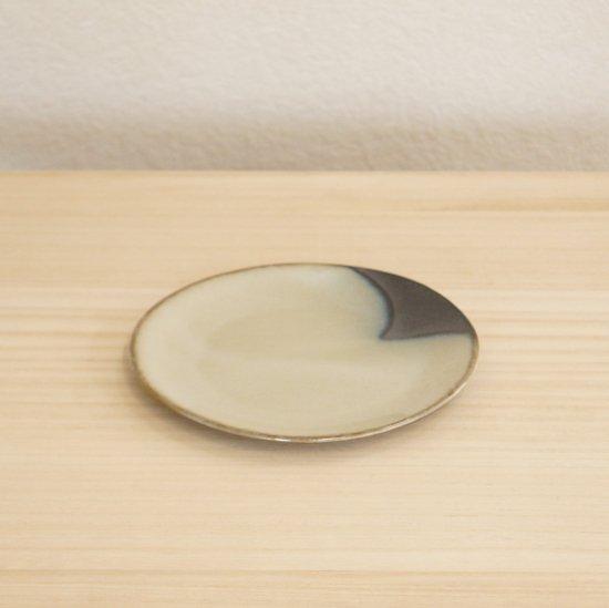 タタラ白黒丸皿