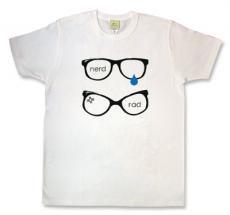 weezer(ウィーザー)モチーフ『nerd × rad』Tシャツ