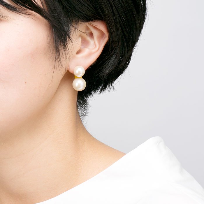 Double Pearl Acrylic Post-Yellow(大粒パールとアクリルキャッチのピアス-イエロー)