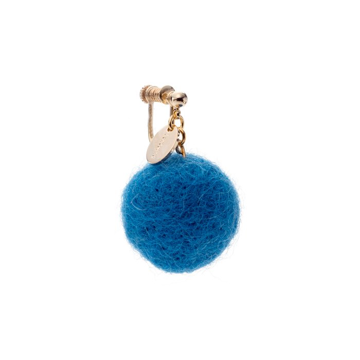 フェルトボールのイヤリング マリンブルー