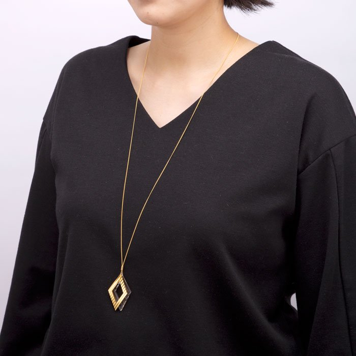 Wave Pattern Motif Necklace-Gold(波型カットしたモチーフのネックレス ゴールド)