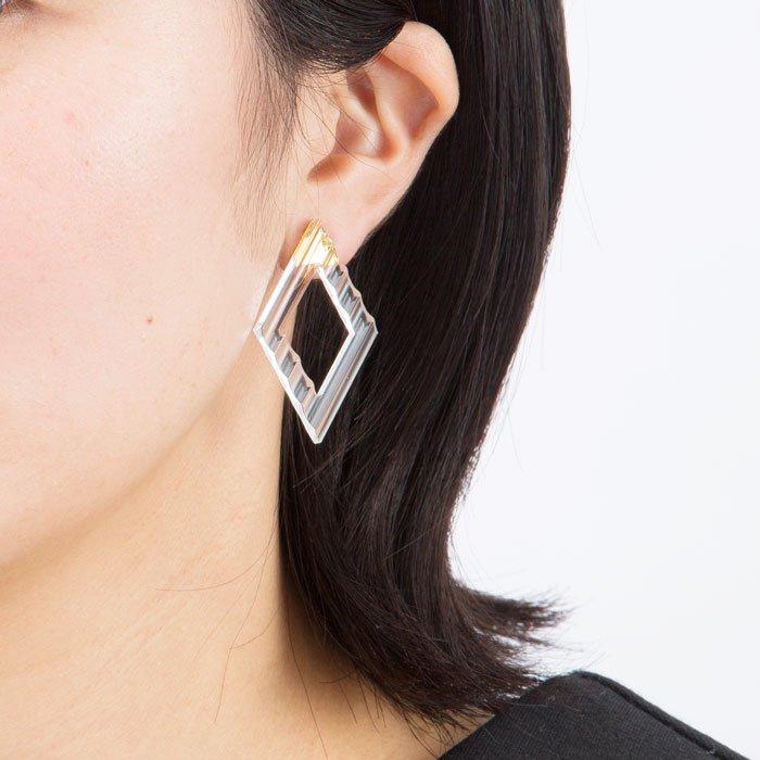 Wave Pattern Acrylic Earrings- Rhombus(アクリルのダイヤ型イヤリング)