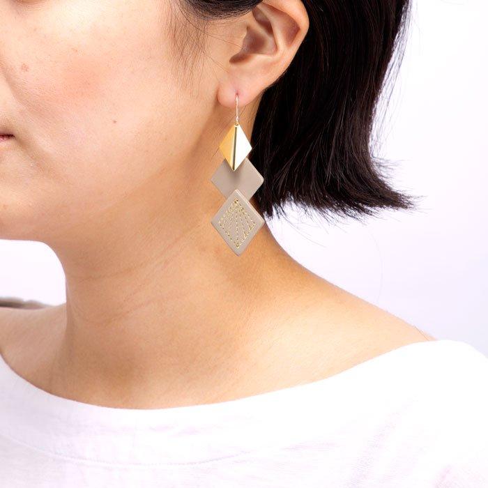Leather & Metal Hooks - Diamond Shape(菱形レザーとメタルのフックピアス)
