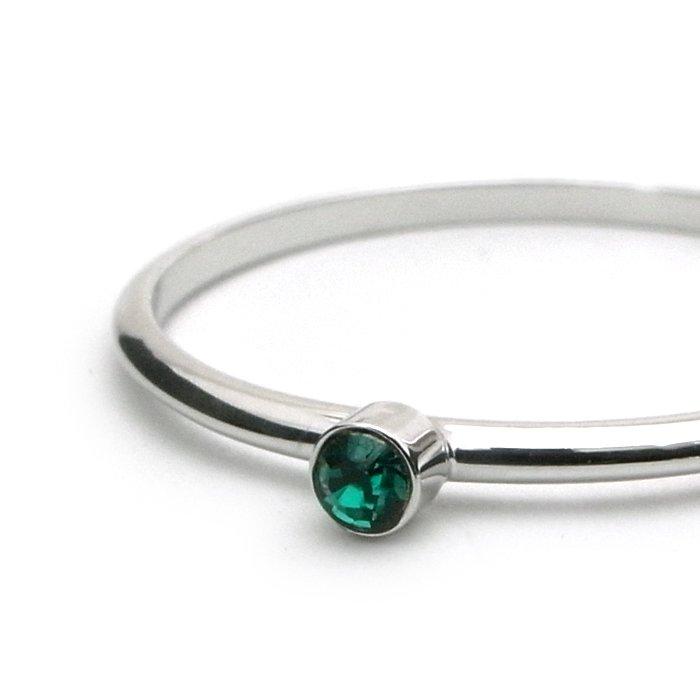 Tiny 1 Stone Ring - Emerald