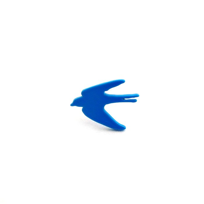 カラフルなツバメのピアス