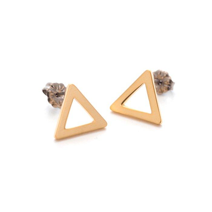 三角形のピアス
