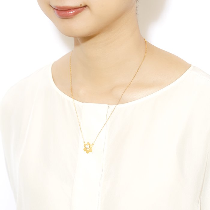 Geometric Pattern Necklace - Pearl On Honey Comb(幾何学パターン ネックレス - パール ハニカム)