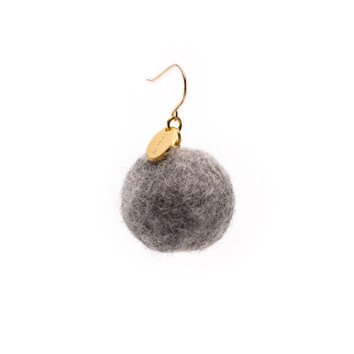 Felt Ball Hook - Gray (フェルトボールピアス - グレー)