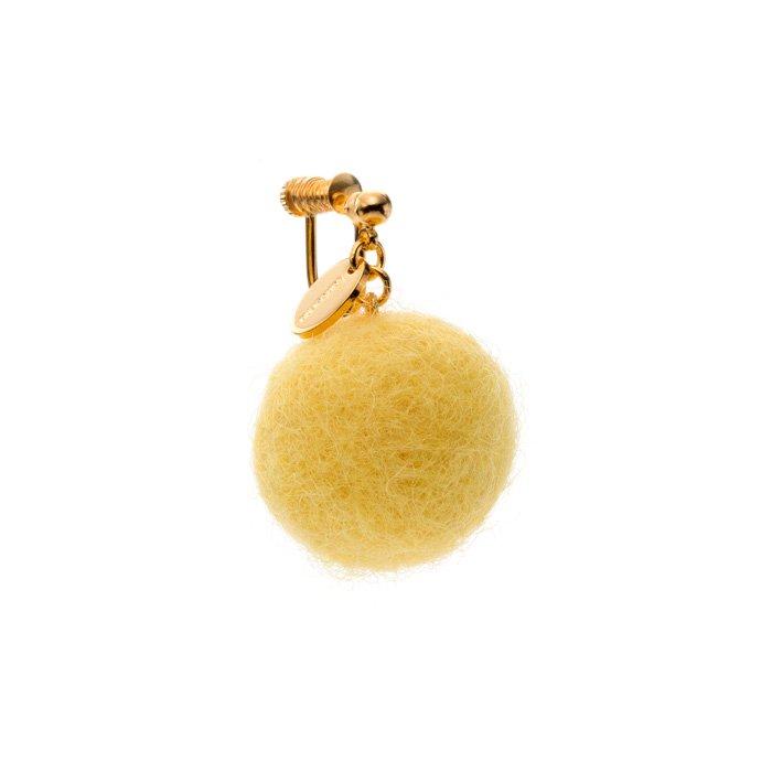 フェルトボールのイヤリング 黄色