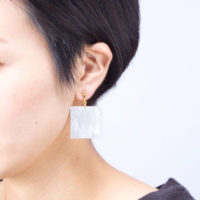 Celluloid Earrings - Pearl - Triangle(セルロイドイヤリング パール 三角)