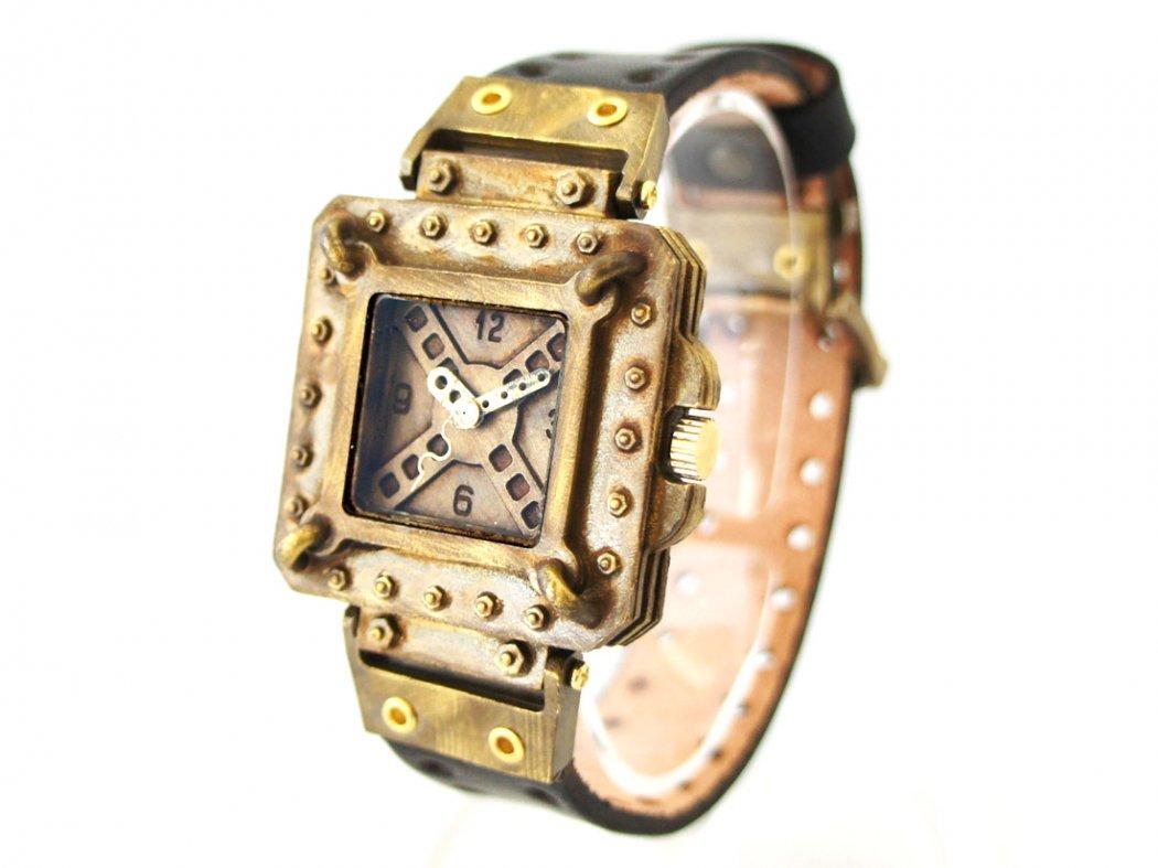 c03c711463 手作り腕時計 スクエアフェイスの無骨な腕時計: 廃墟・SF・スチームパンク…手作り腕時計の世界
