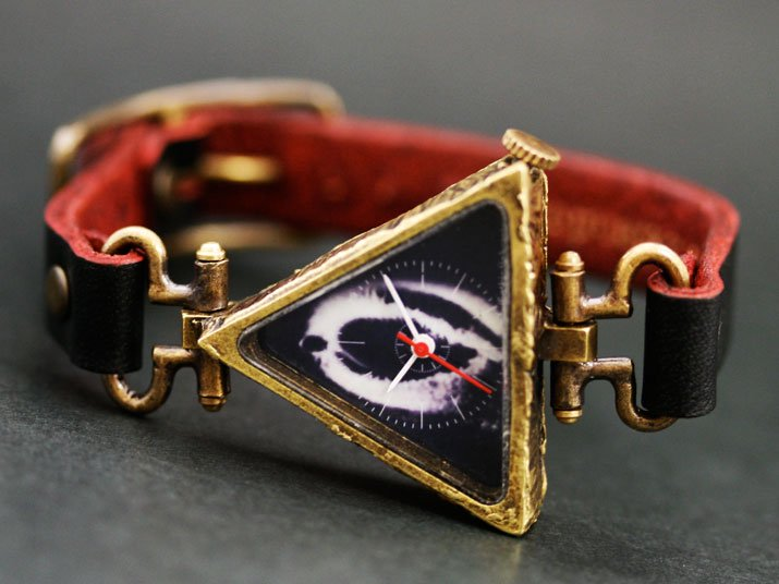 ���ѷ� �ӻ��� eye of providence black
