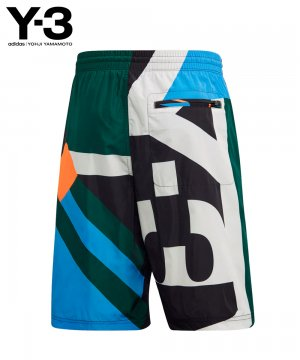 <img class='new_mark_img1' src='https://img.shop-pro.jp/img/new/icons5.gif' style='border:none;display:inline;margin:0px;padding:0px;width:auto;' />Y-3 AOP SWIM SHORTS / マルチ [FN5718]